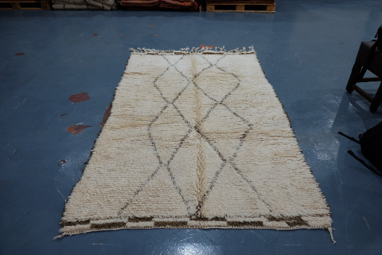 Authentic Moroccan rug  6 ft x 4.8 ft