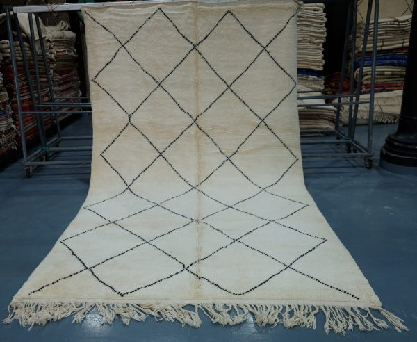 Beautiful authentic Beni Ourain rug 11.8 ft x 7.2 ft