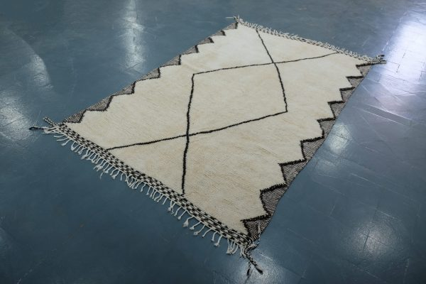 Buy Authentic Beni ourain rug 7.93 ft x 4.92 ft