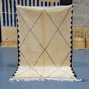 Moroccan Berber Mrirt rug 7.54 ft x 5.11 ft