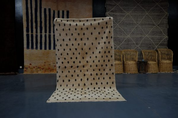 White dotted Morrocan Rug, 8.13 ft x 4.75 ft