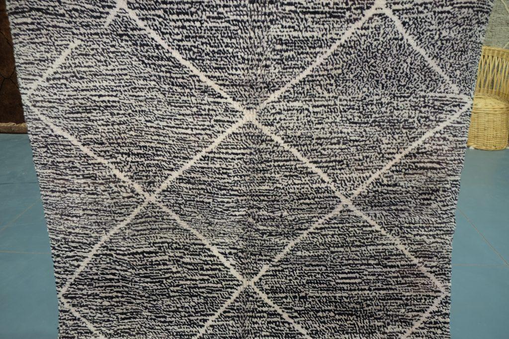 Really nice azilal berber rug 7.97 ft x 5.37 ft
