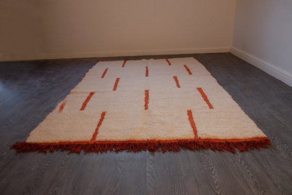 Moroccan rug 7.87 ft x 5.18 ft